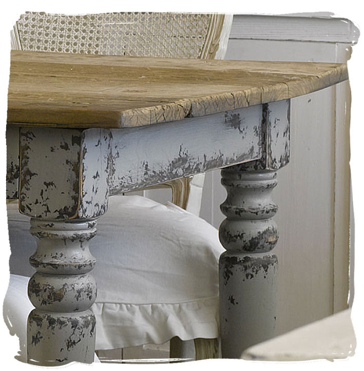 Painting Wood Furniture Shabby Chic http://moodhouse.wordpress.com/2010/08/23/inspiration-for-the-day-shabby-chic/